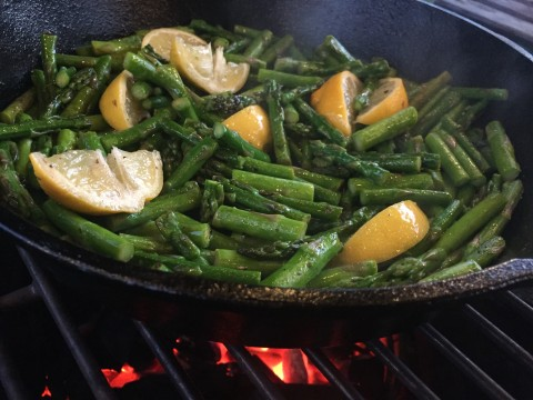 Lemon Asparagus on the Small Big Green Egg